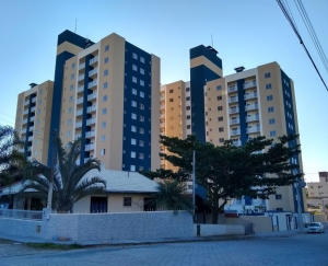 APARTAMENTO-CENTRO-BALNEARIO PICARRAS - SC